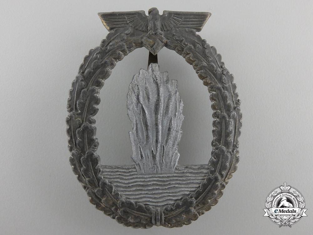 eMedals-A Kriegsmarine Minesweeper War Badge by Rudolf Karneth & Söhne