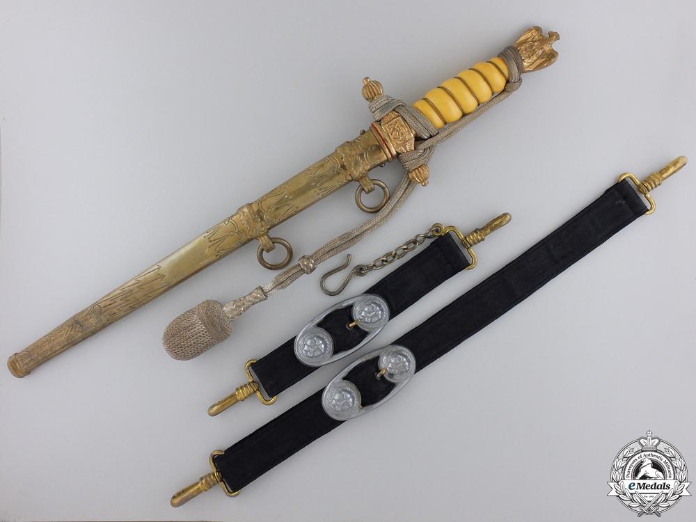 eMedals-A Kriegsmarine Officer's Dagger by P.D. Luneschloss, Solingen