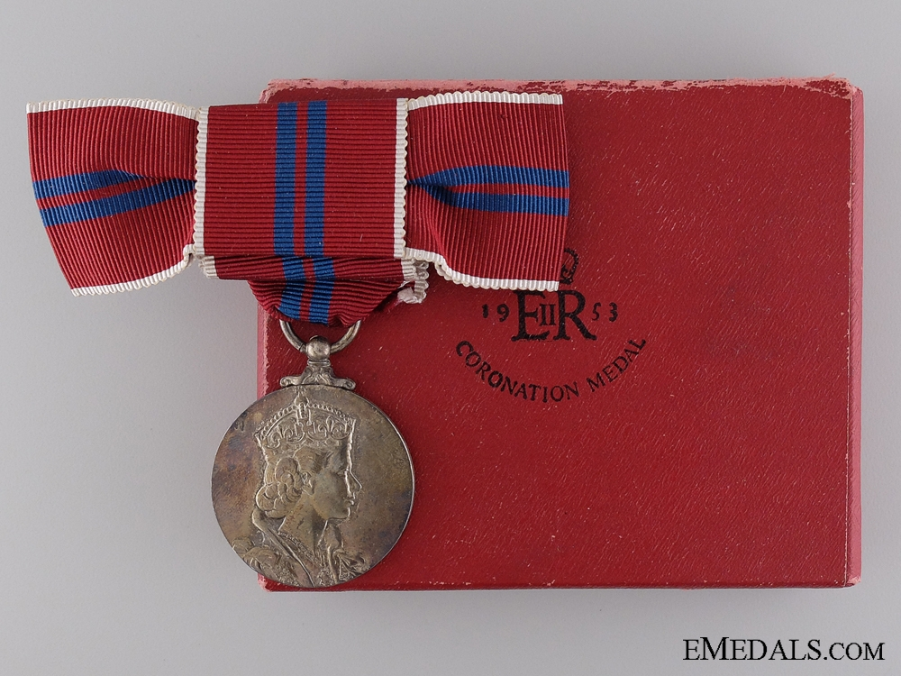 eMedals-A Ladies 1953 QEII Coronation Medal with Case