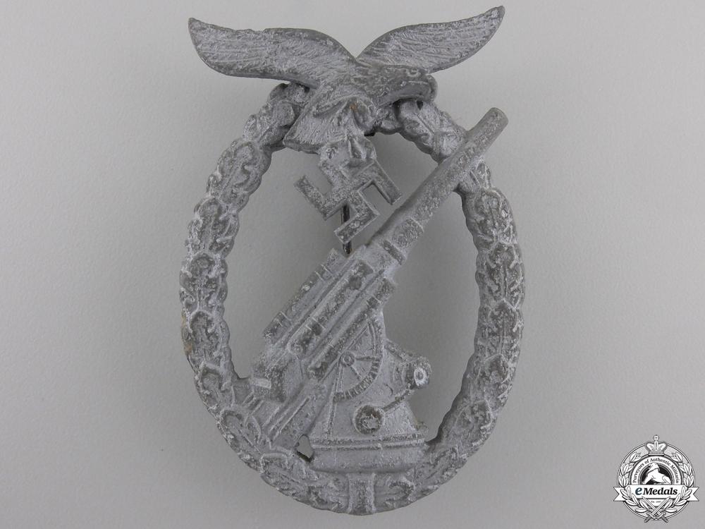 eMedals-A Late War Luftwaffe Flak Badge by Walter Henlein