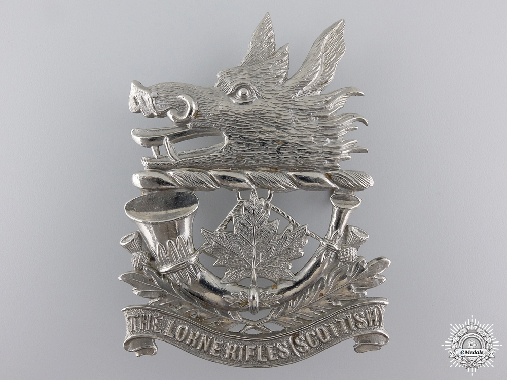 eMedals-A Lorne Rifles (Scottish) Glengarry Badge