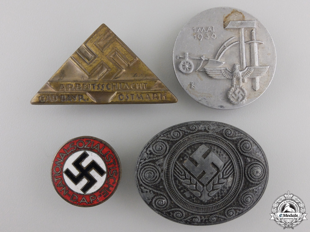 eMedals-A Lot of Four Second War German Badges