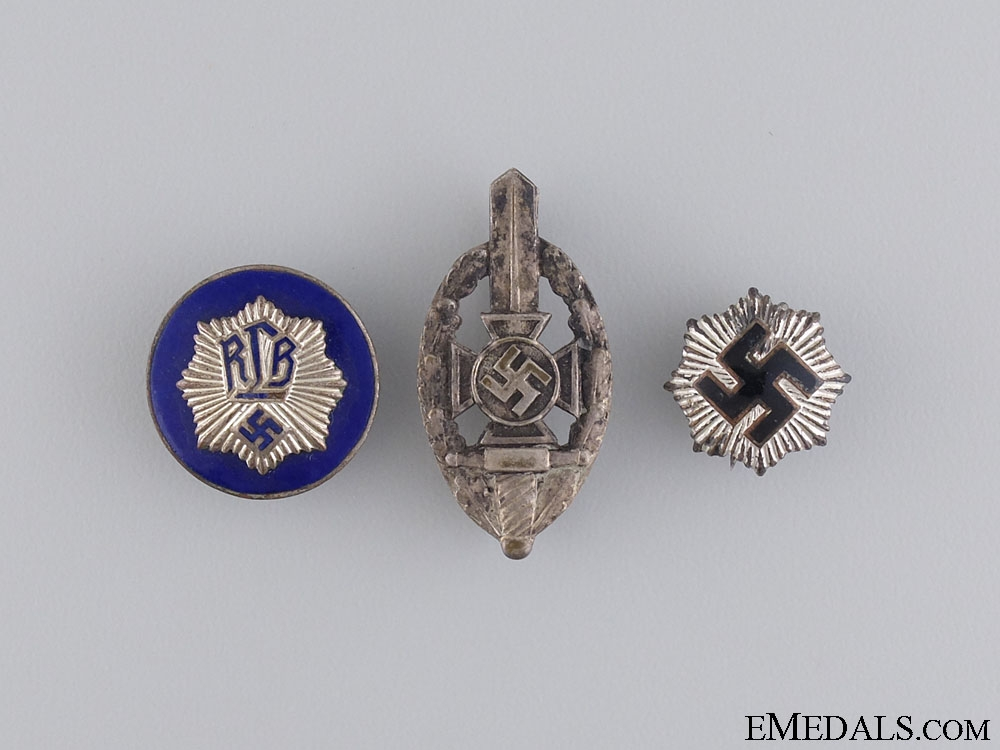 eMedals-A Lot of Second War RLB Badges