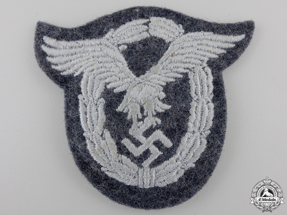 eMedals-A Luftwaffe Pilot's Badge in Cloth; Padded Version