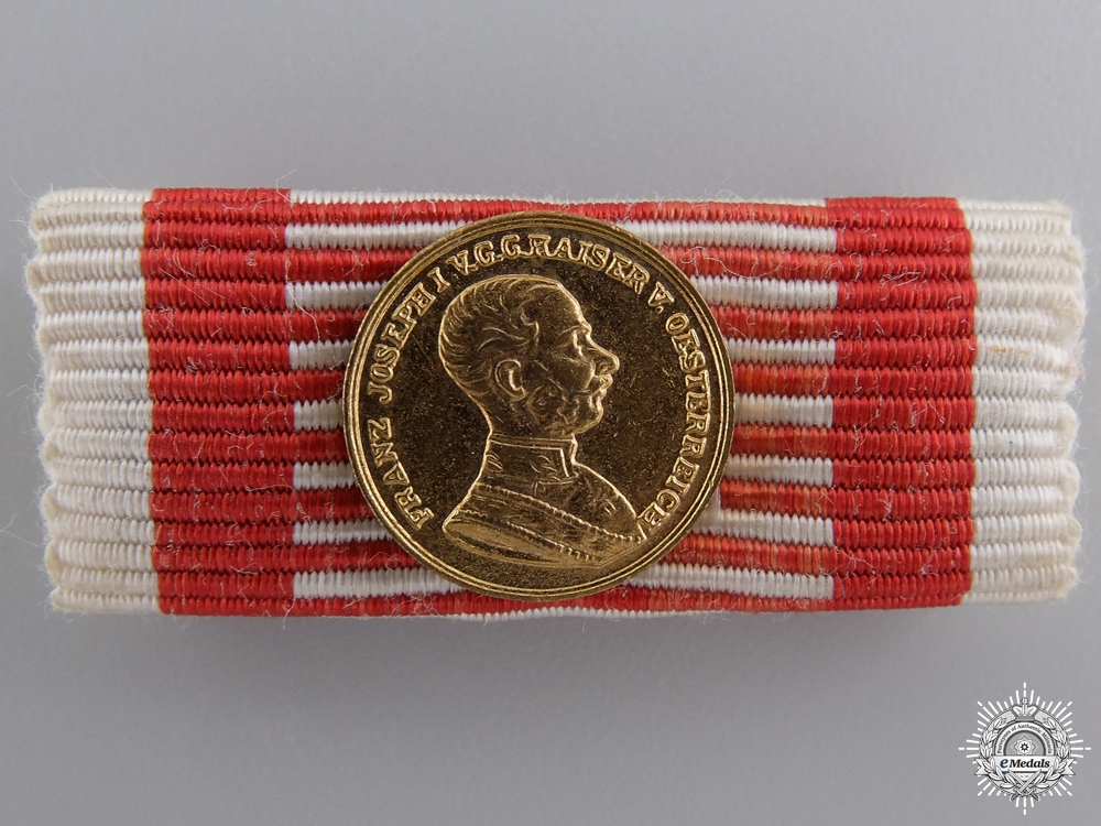 eMedals-A Miniature Austrian Bravery Medal; Gold Grade (1914-1916)