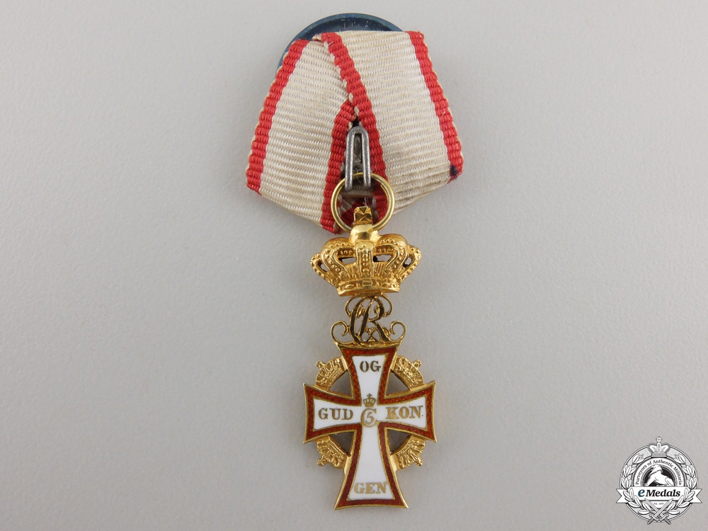 eMedals-A Miniature Danish Order of the Dannebrog in Gold