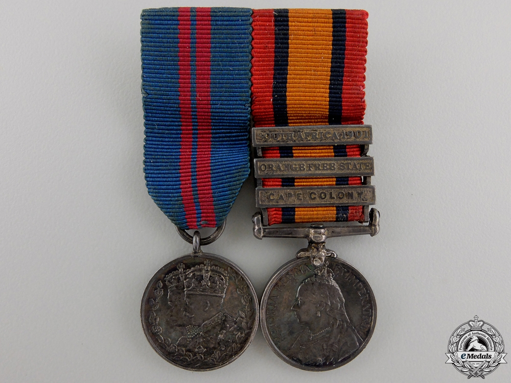 eMedals-A Miniature Queen South Africa Medal Pair