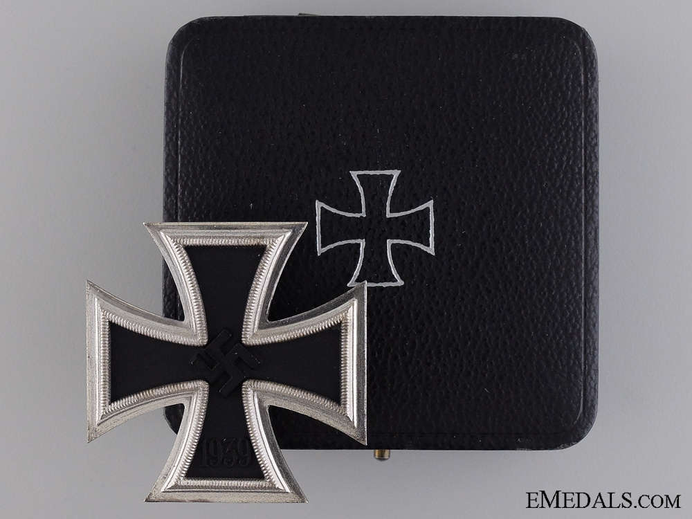 eMedals-A Mint cased Iron Cross First Class 1939