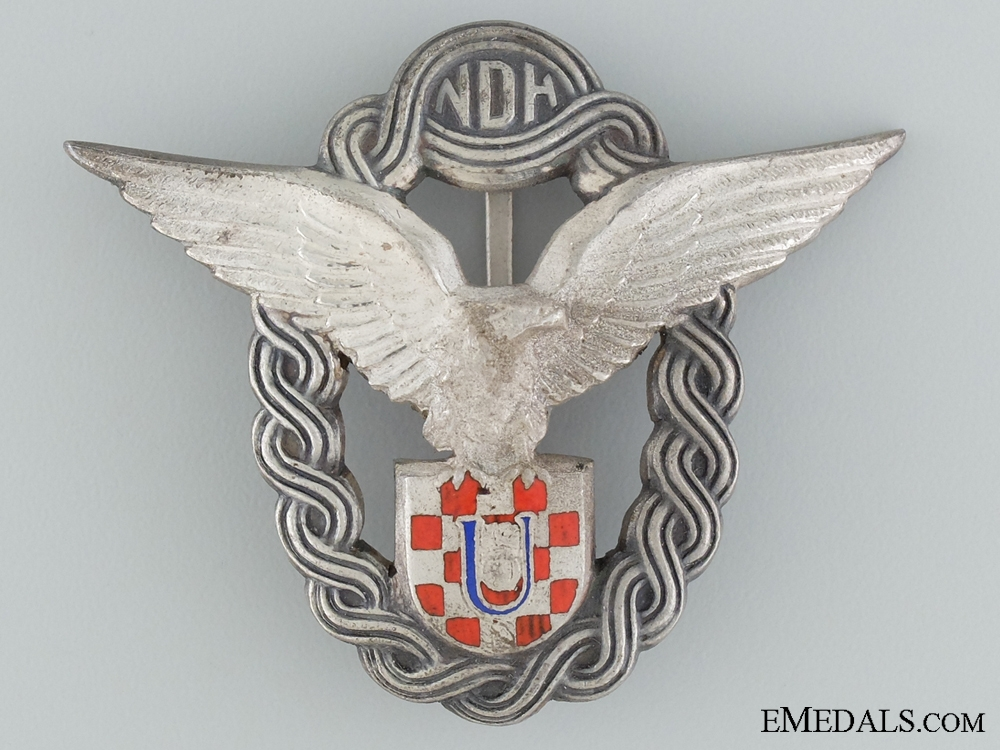 eMedals-A Mint Conditioned WWII Croatian Pilot's Badge; Type II
