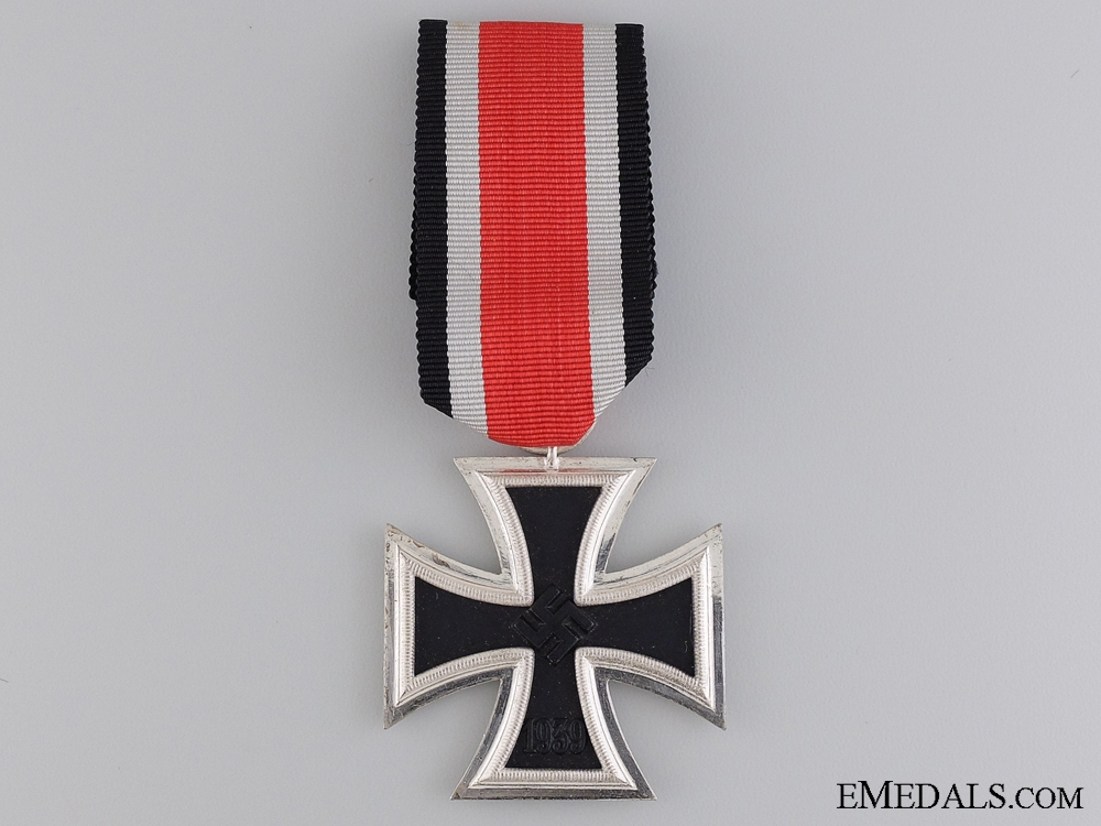 eMedals-A Mint Iron Cross Second Class 1939 by Gustav Brehmer