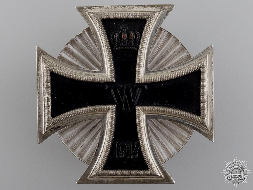 eMedals-A Near Mint Iron Cross 1st Class 1914; Screw Back