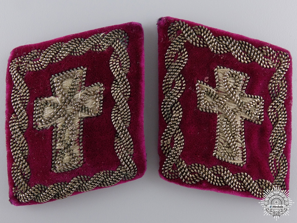 eMedals-A Pair of Second War Military Clergymen Collar Tabs