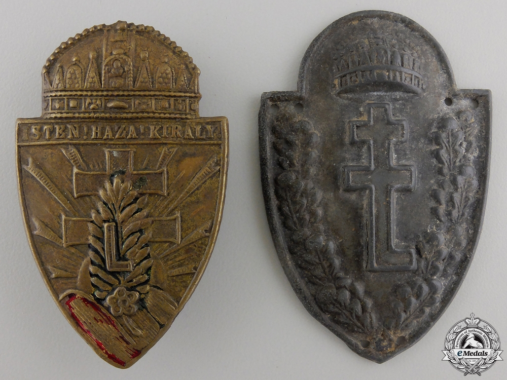 eMedals-A Pair of Second War  Hungarian Levente Youth Badges