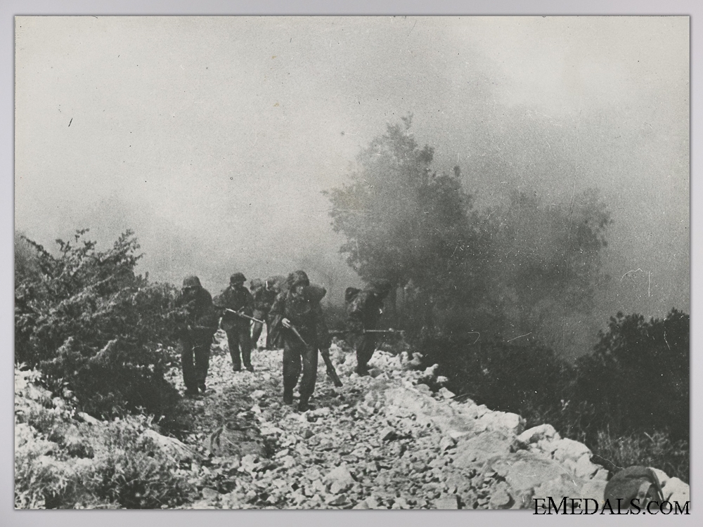 eMedals-A Period Photograph; SS Mountain Troops