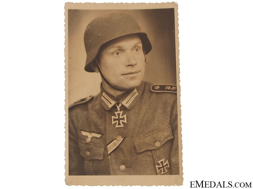 eMedals-A Portrait Photo of a KC Winner