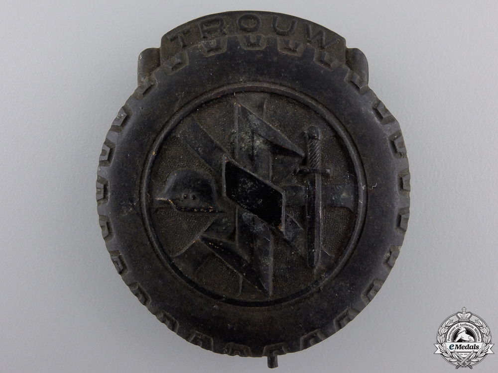 eMedals-A Rare Dutch NSKK Badge