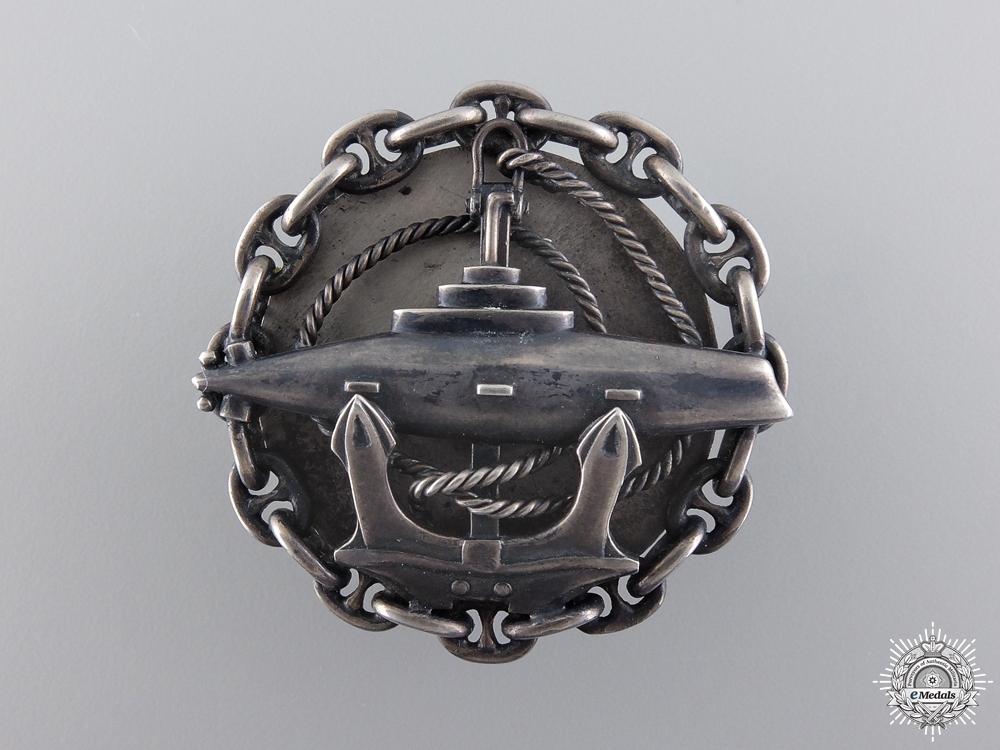 eMedals-A Rare Russian Imperial Submarine Badge in Silver