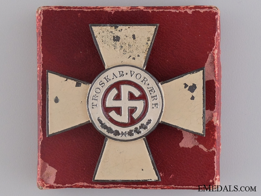 eMedals-A Rare Schalburg Cross with Case