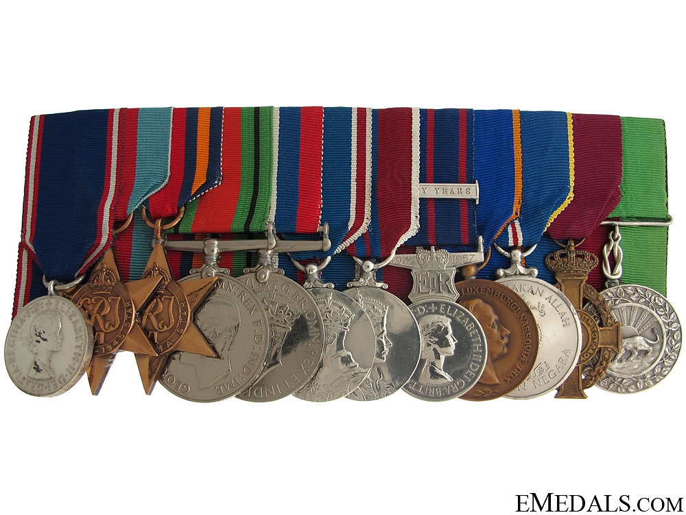 eMedals-A Royal Family Service Medal Group