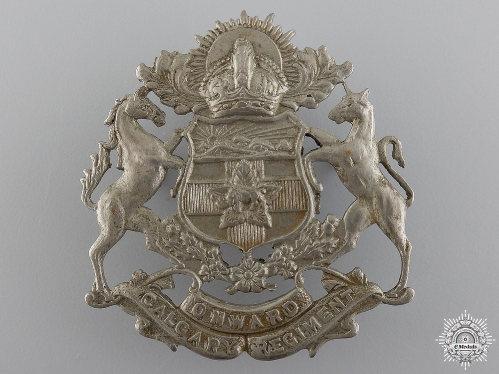 eMedals-A Second War Calgary Regiment Cap Badge