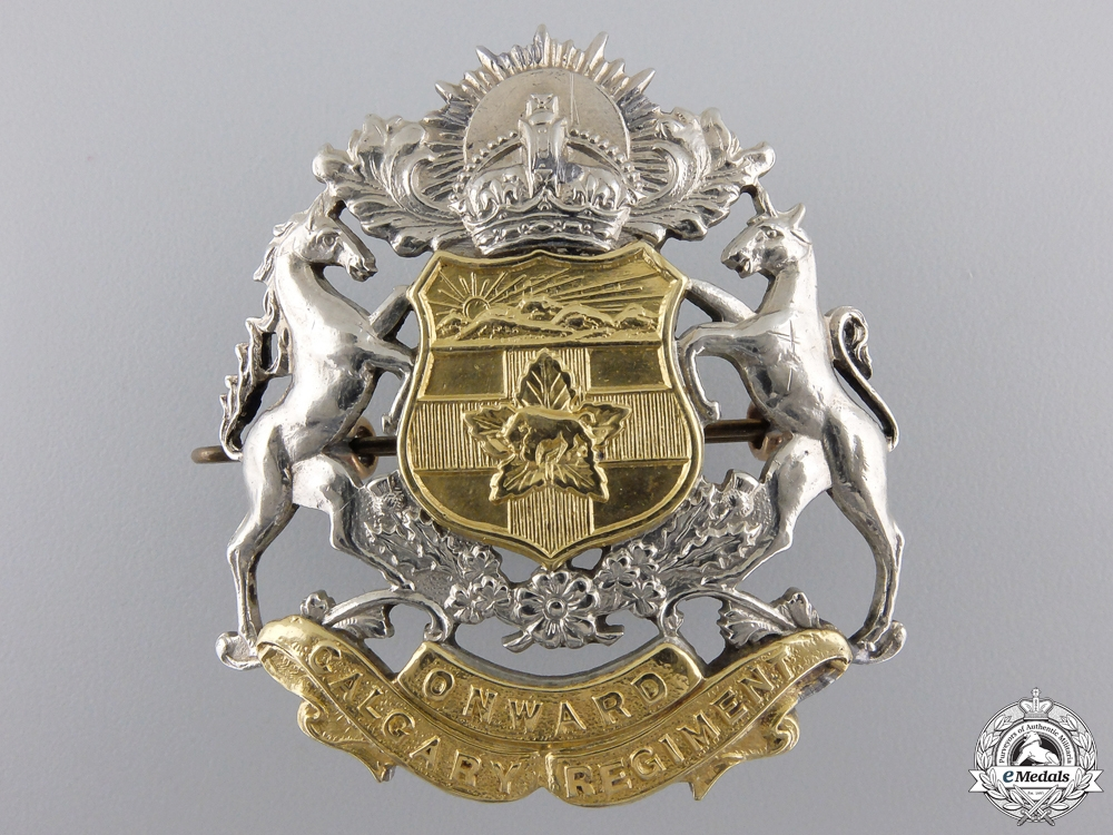 eMedals-A Second War Calgary Regiment (Tank) Cap Badge