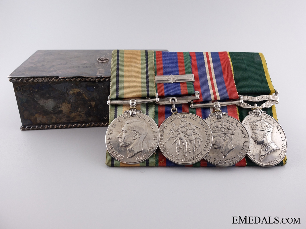 eMedals-A Second War Canadian Efficiency Medal Bar with Case