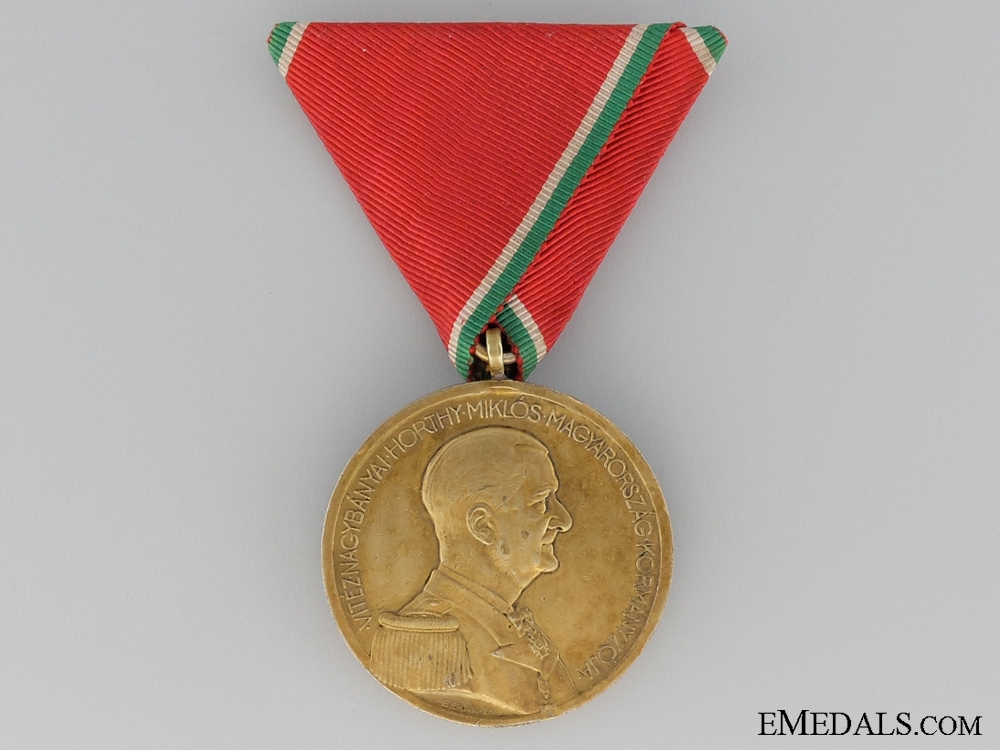 eMedals-A Second War Hungarian Gold Bravery Medal