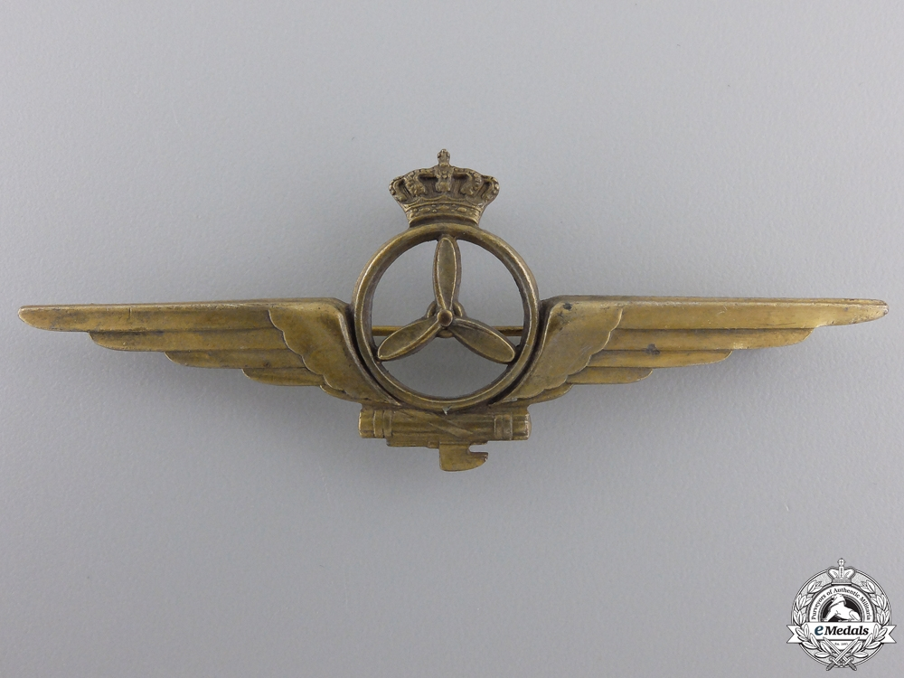 eMedals-A Second War Italian Air Force Aircraft Fitter Badge