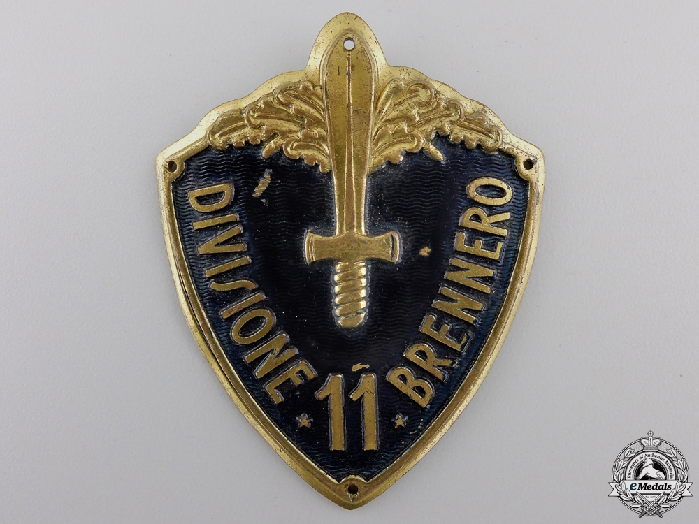 eMedals-A Second War Italian Army Arm Badge Divisione 6