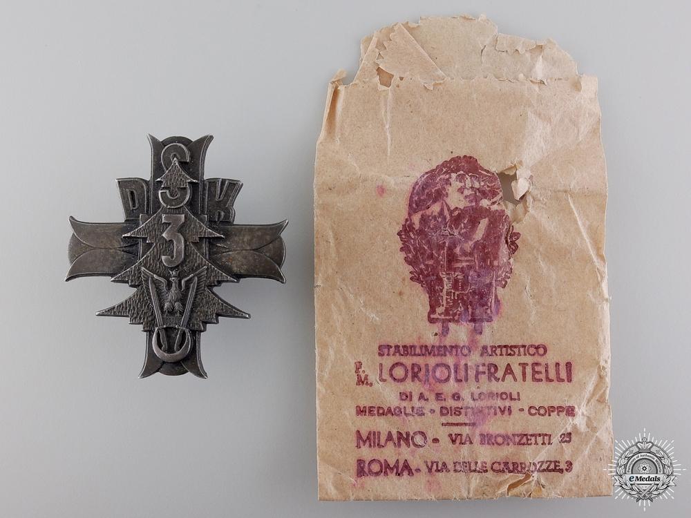 eMedals-A Second War Polish 3rd Carpathian Rifle Div. Badge