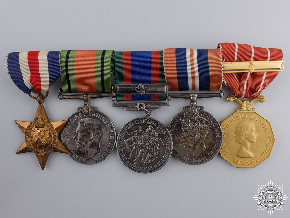 eMedals-A Second War Royal Canadian Air Force Group to F/O Douglas