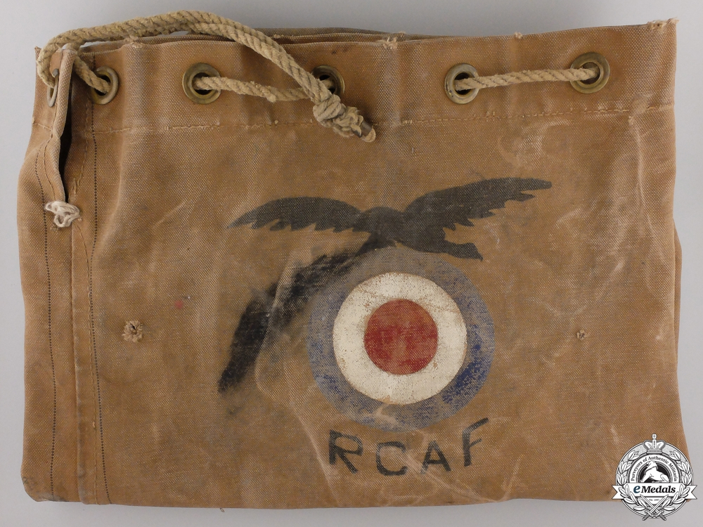 eMedals-A Second War Royal Canadian Air Force (RCAF) Duffle Bag