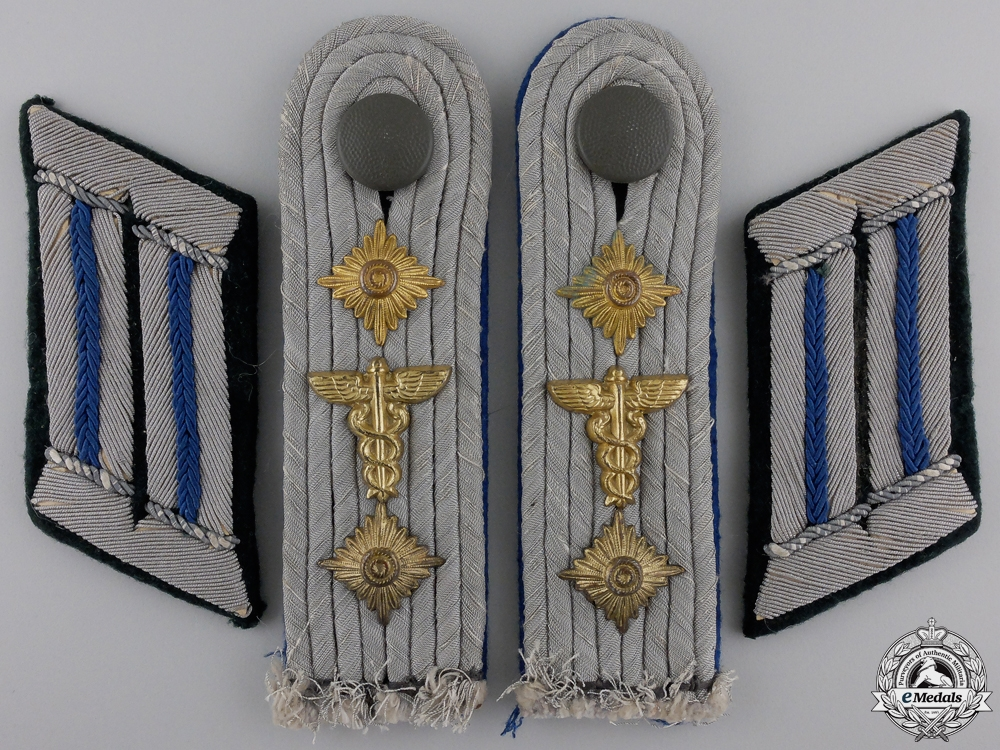 eMedals-A Set of Army Medical Hauptmann Boards & Collar Tabs