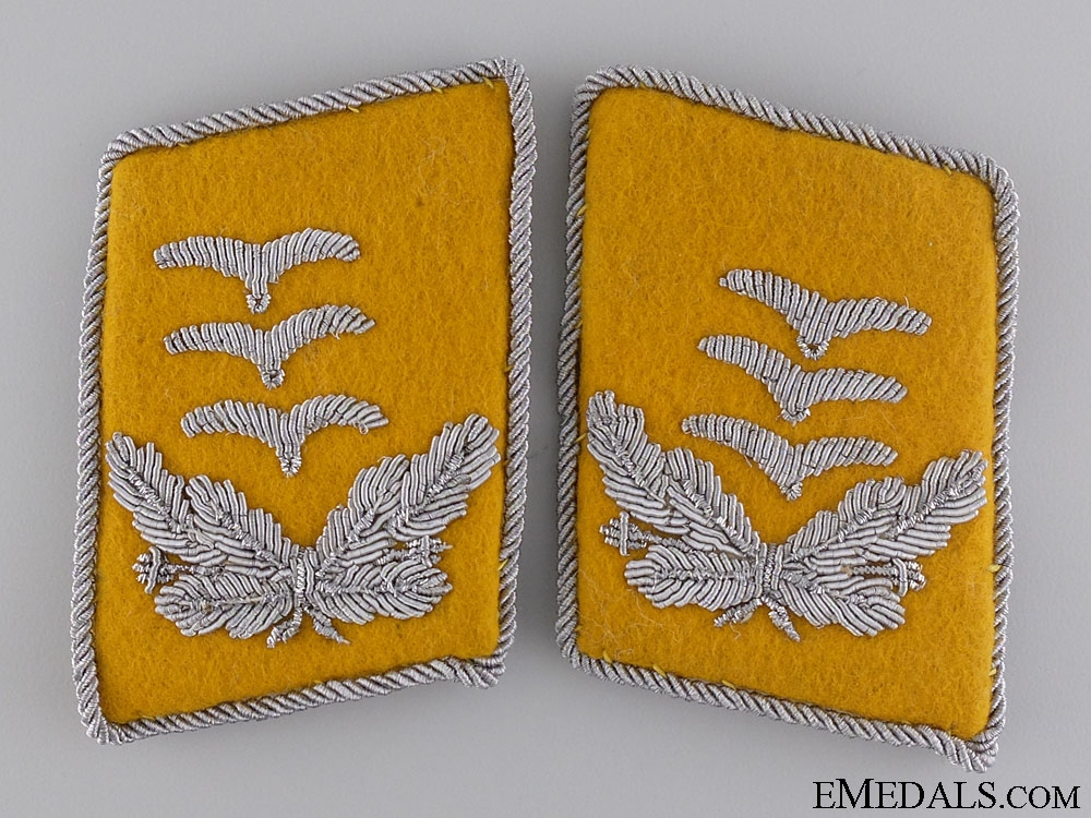eMedals-A Set of Luftwaffe Captain's Collar Tabs