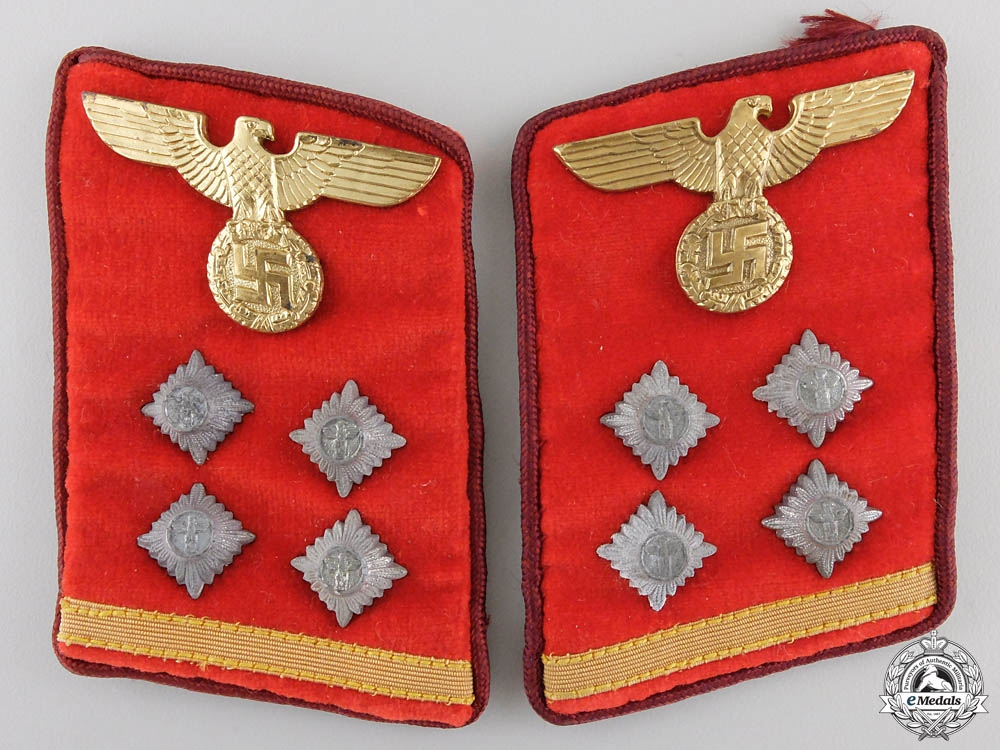 eMedals-A Set of NSDAP Gau Obergemeinschaftsleiter Collar Tabs with RZM Label
