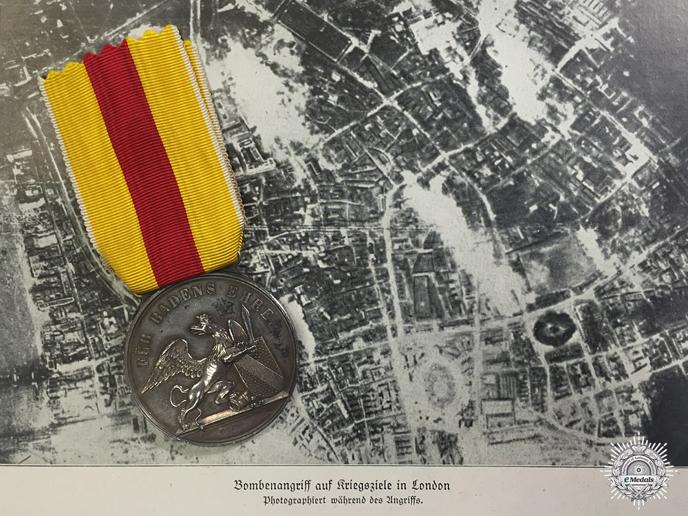 eMedals-A First War Silver Karl Friedrich Military Merit Medal for Bombing London