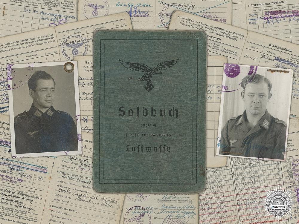 eMedals-A Soldbuch to the 7th Fallschirmjäger Regiment; KIA 1945