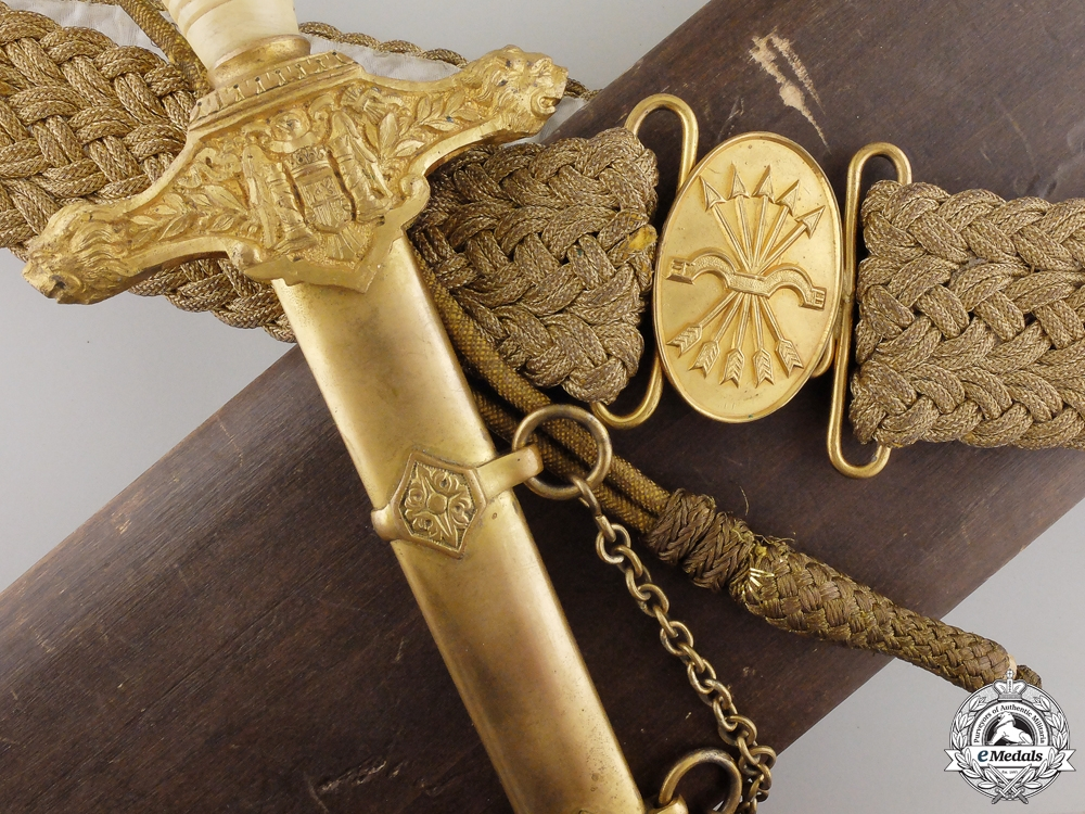 eMedals-A Spanish Falange Army Officer's Dagger with Case