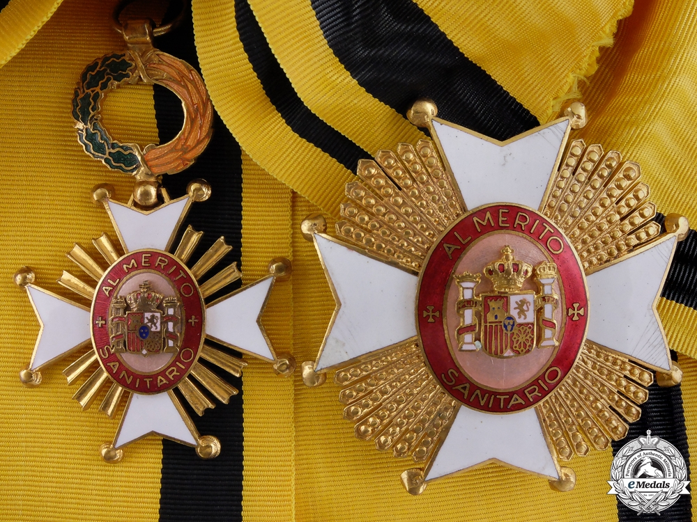eMedals-A Spanish Order of Public Health; Grand Cross Set
