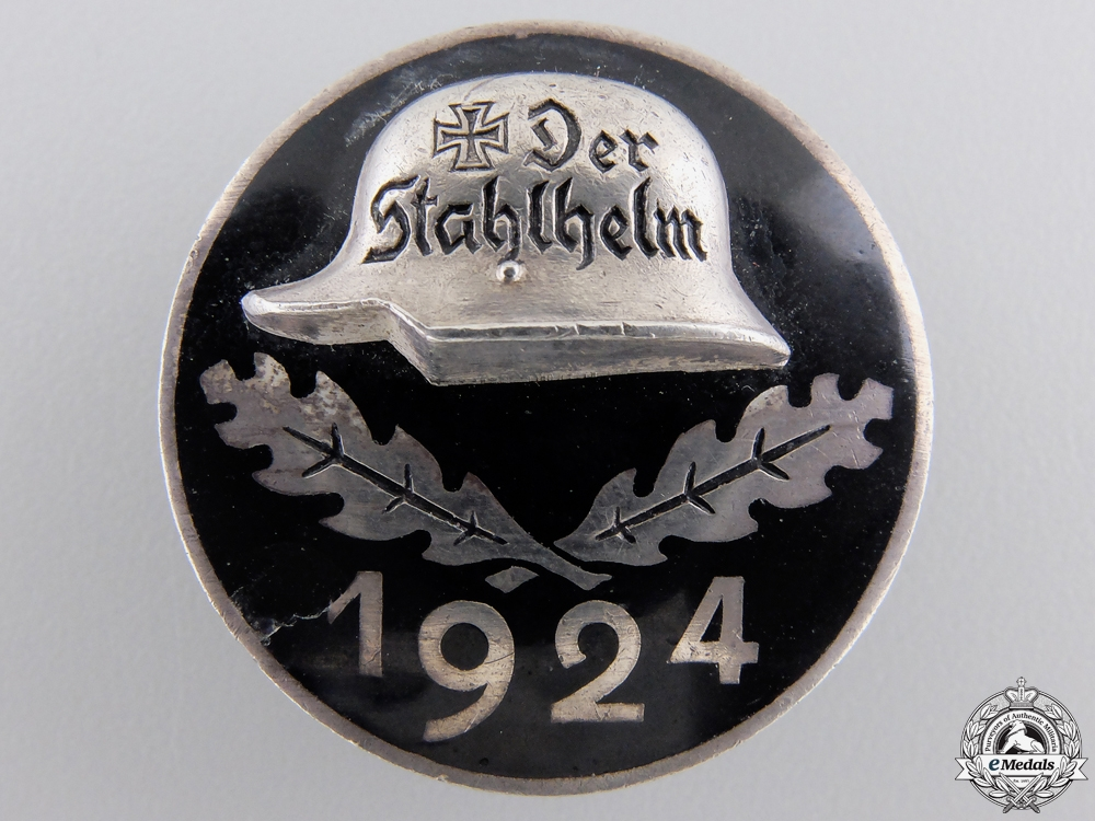 eMedals-A Stahlhelm Membership Badge 17.2.24 in 935 Silver