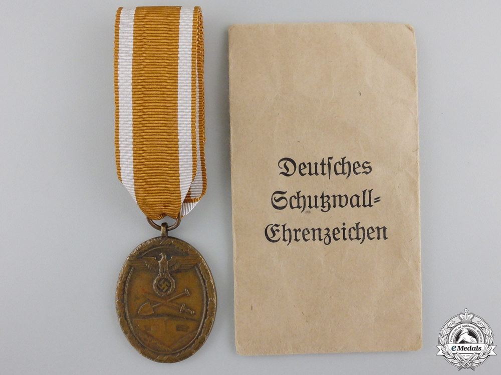 eMedals-A West Wall Medal with Packet of Issue