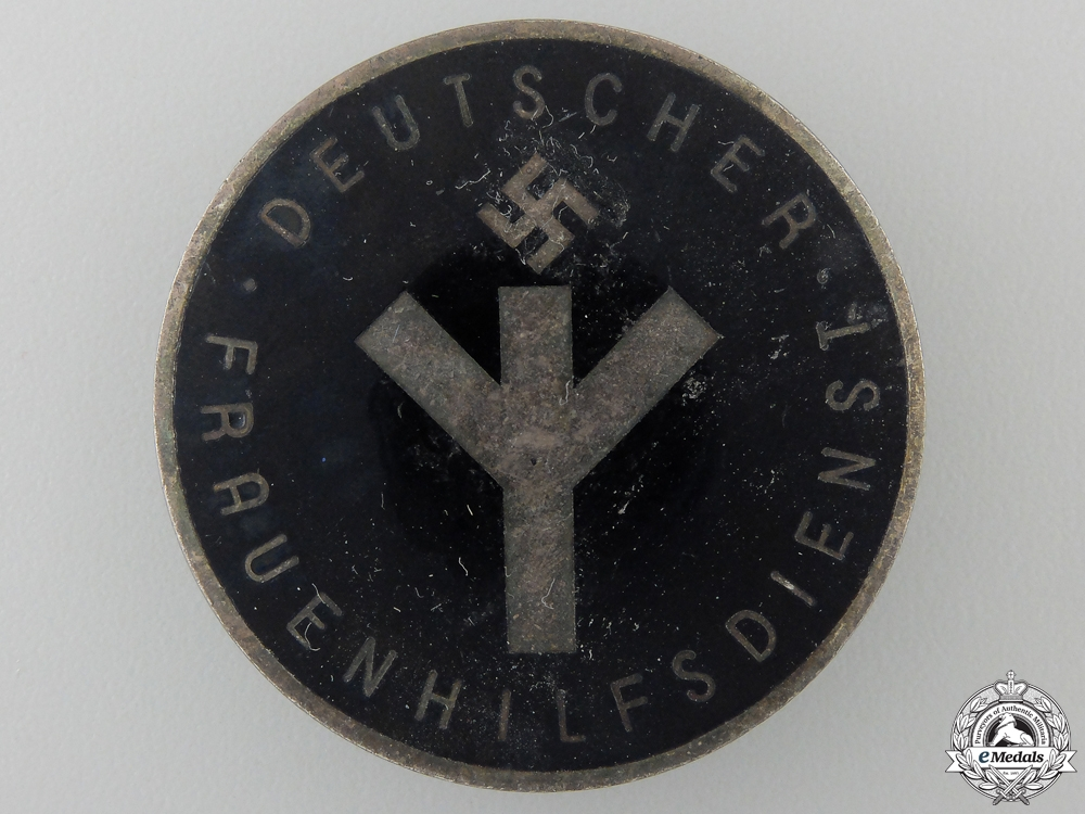 eMedals-A Woman's Auxilary Service Badge by A.Stubbe