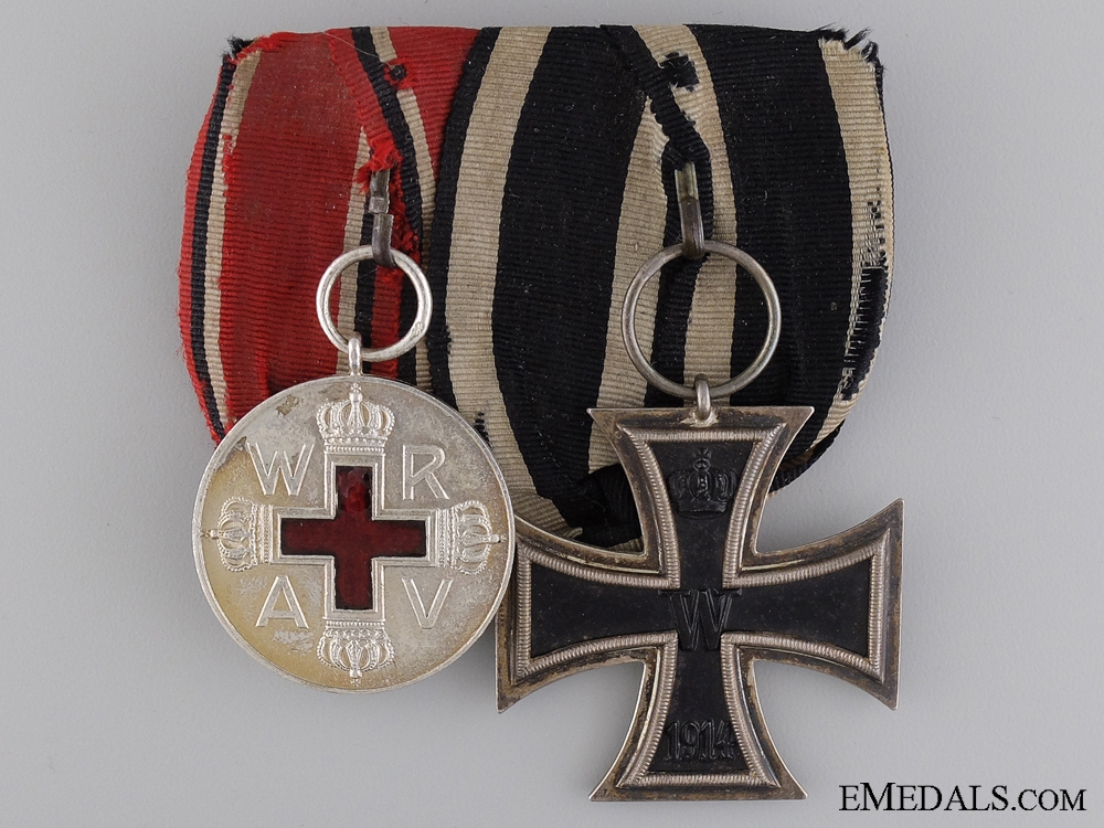 eMedals-A WWI Imperial German Pair of Medals; Marked E.W.