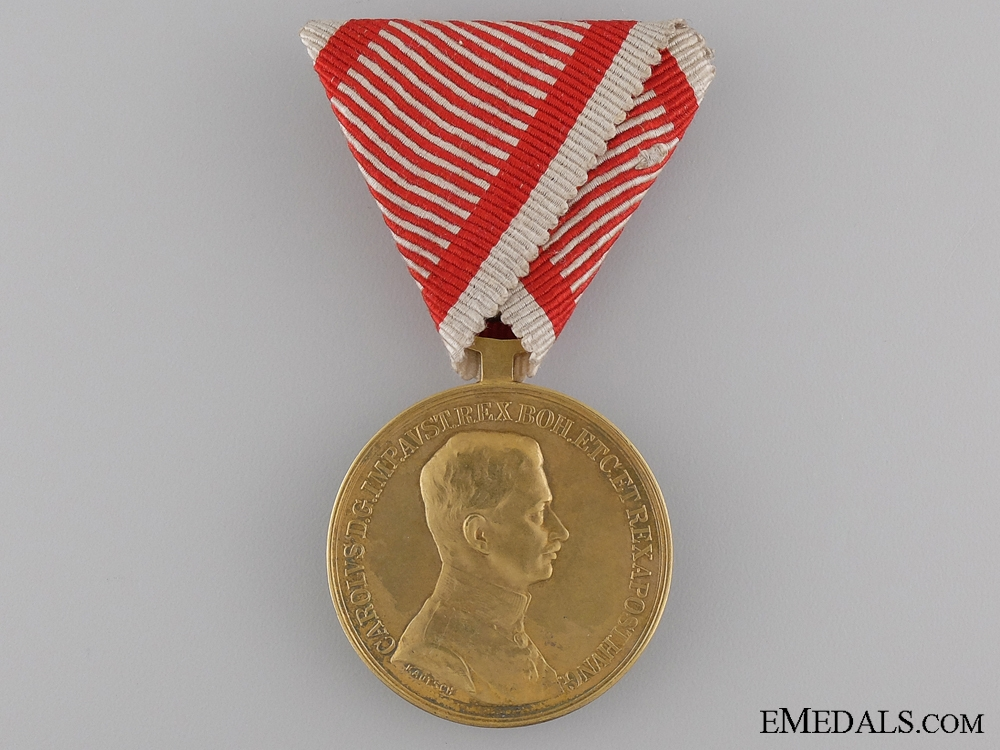 eMedals-A WWI Period Golden Bravery Medal; Emperor Karl
