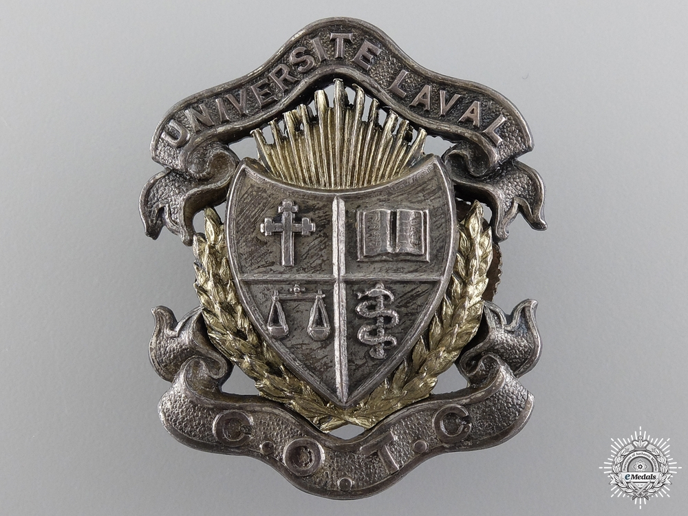 eMedals-A WWII Université Laval Canadian Officer Training Corps Cap Badge