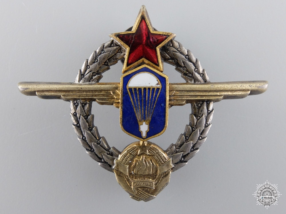 eMedals-A Yugoslavian Paratrooper Badge in Silver