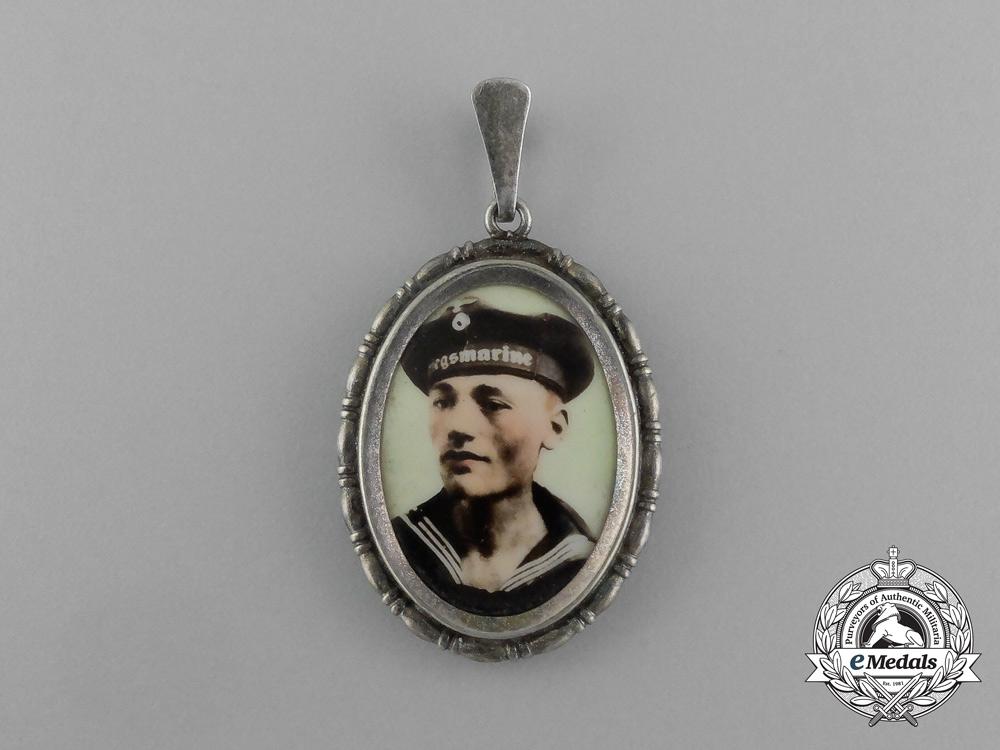 eMedals-A Second War Kriegsmarine Sweetheart Pennant of a Seaman