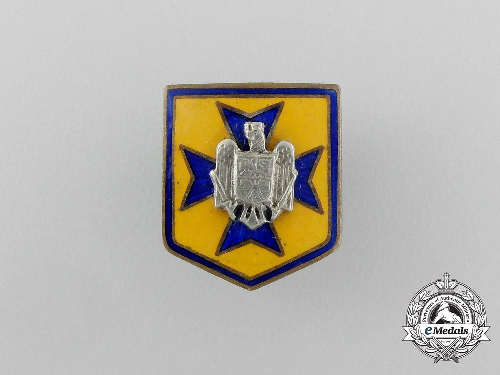 eMedals-A Second War Romanian Iron Guard Badge