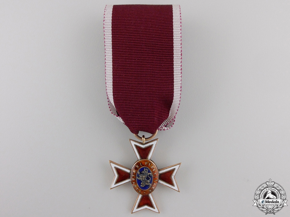 eMedals-An 1830's  Hessen House Order of the Golden Lion in Gold