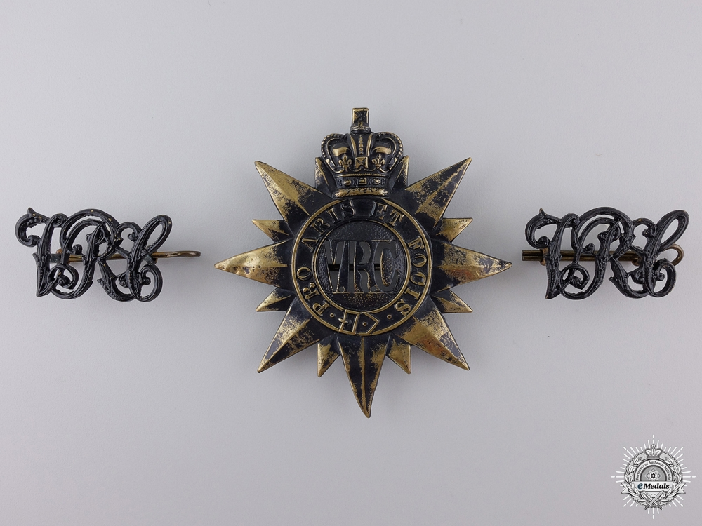 eMedals-An 1862 3rd Battalion Victorian Rifles of Canada Cap Badge and Shoulder Pair